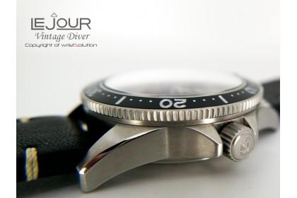 Vintage Diver 002